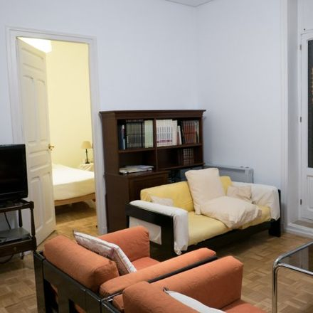 Rent this 2 bed apartment on Delegación del Gobierno en Madrid in Calle de García de Paredes, 65