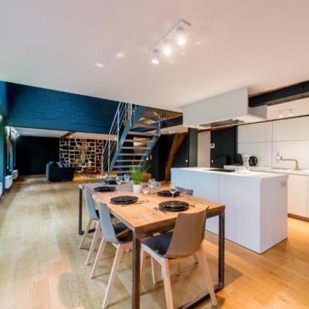 Rent this 3 bed apartment on Rue du Fossé aux Loups - Wolvengracht 13 in 1000 City of Brussels, Belgium