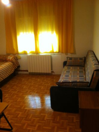 Rent this 5 bed room on Electricidad Apaolaza in Calle Arzobispo Apaolaza, 11
