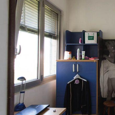 Rent this 3 bed apartment on Viale Ca' Granda in 20162 Milan Milan, Italy