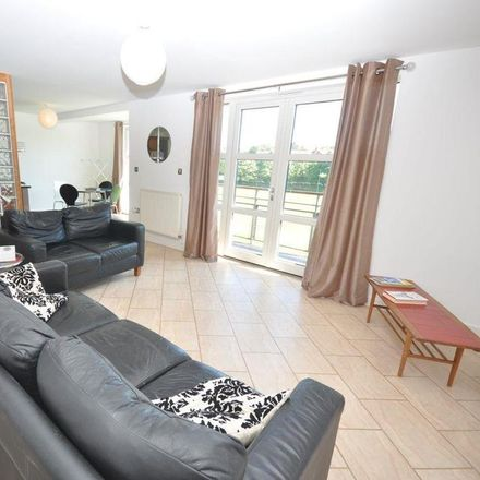 Rent this 2 bed apartment on Willow Green in Meadow Vale, Sunderland SR2 7RZ