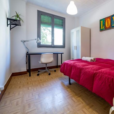 Rent this 4 bed room on Fuente L'Alguer in Carrer de l'Enginyer Rafael Janini, 46022 Valencia