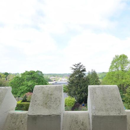 Rent this 1 bed apartment on The Mead School in 16 Frant Road, Tunbridge Wells TN2 5SN