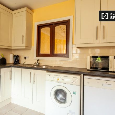 Rent this 3 bed apartment on Donnybrook Manor in Rathmines East B ED, Donnybrook East