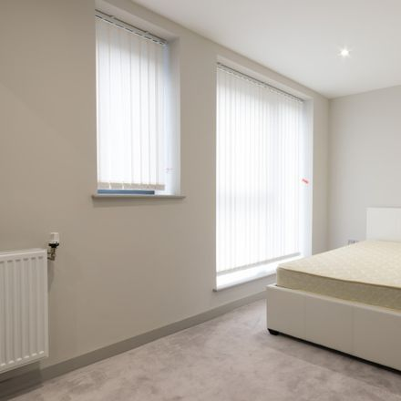 Rent this 2 bed apartment on Costa in Broadway, London W13 0SY