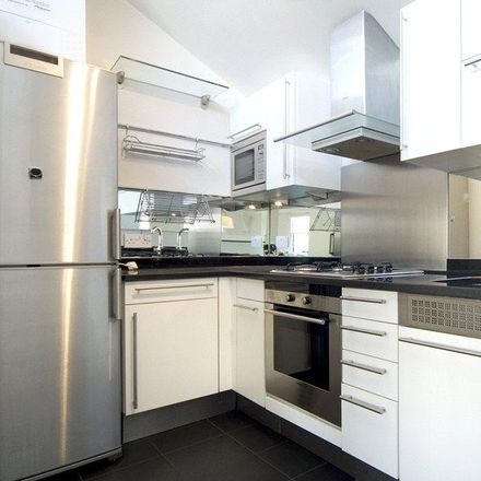 Rent this 2 bed house on 5 Westbourne Grove in London W11, United Kingdom