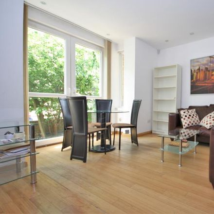 Rent this 3 bed apartment on St Pauls (former) in 269 Westferry Road, London E14 3RS