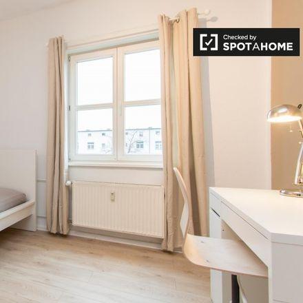 Rent this 3 bed apartment on Köpenicker Landstraße 122 in 12437 Berlin, Germany