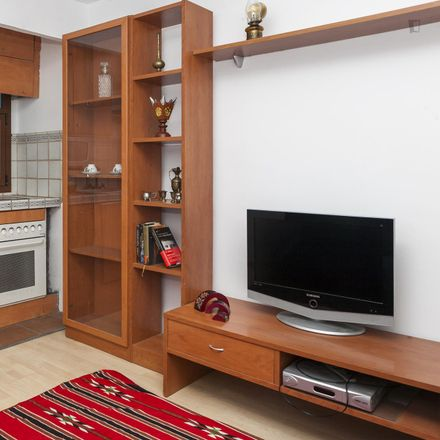 Rent this 1 bed apartment on Carrer del Doctor Coll in 08001 Barcelona, Spain