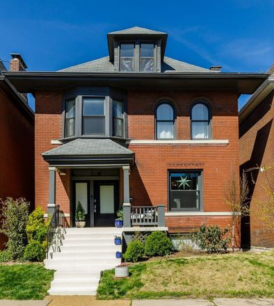 Rent this 4 bed house on 4125 Russell Boulevard in City of Saint Louis, MO 63110