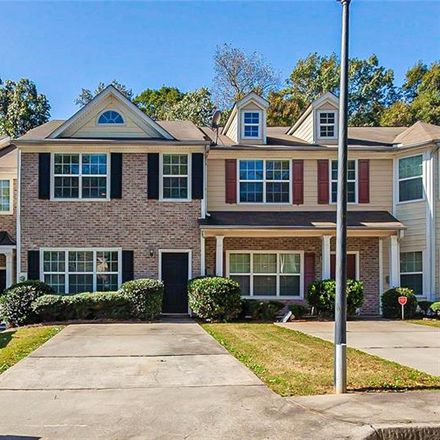Rent this 3 bed townhouse on Parkway Cir in Atlanta, GA
