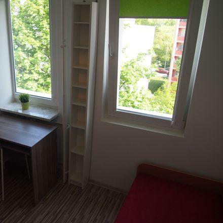 Rent this 4 bed room on Walentego Skorochód-Majewskiego 22 in 02-104 Warsaw, Poland