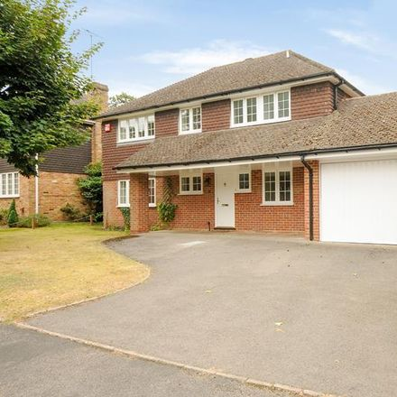 Rent this 4 bed house on Murray Court in Sunninghill SL5 9BP, United Kingdom