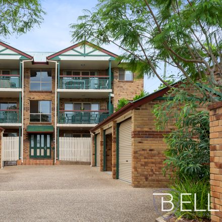 Rent this 2 bed apartment on 3/1 Denman Street