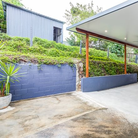 Rent this 3 bed house on 14 Yan Yean Street