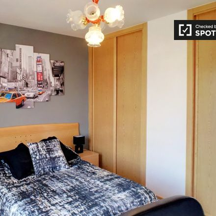 Rent this 4 bed apartment on Calle Torrelaguna in 28807 Alcalá de Henares, Spain