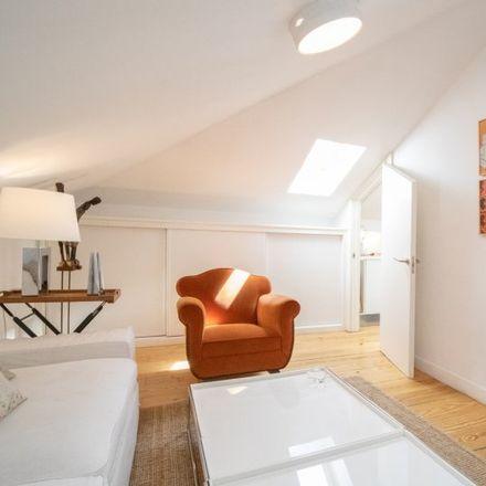 Rent this 2 bed apartment on Calle Condes de Torreanaz in 4, 28028 Madrid