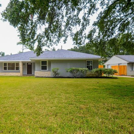 Rent this 3 bed house on 3822 Linkwood Drive in Houston, TX 77025