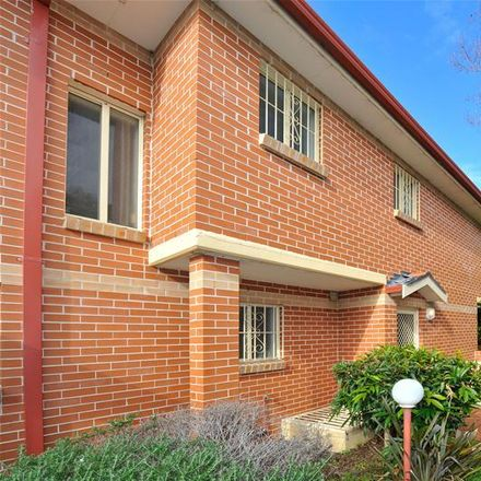 Rent this 5 bed townhouse on 4/2a Barker Street