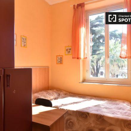 Rent this 3 bed apartment on Greenwich in Via Giovanni Battista Bodoni, 59