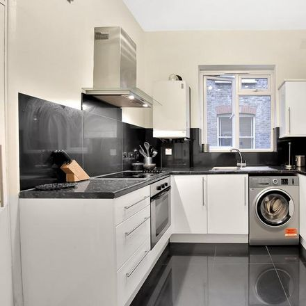 Rent this 3 bed apartment on Cranworth Gardens in London SW9 0NZ, United Kingdom