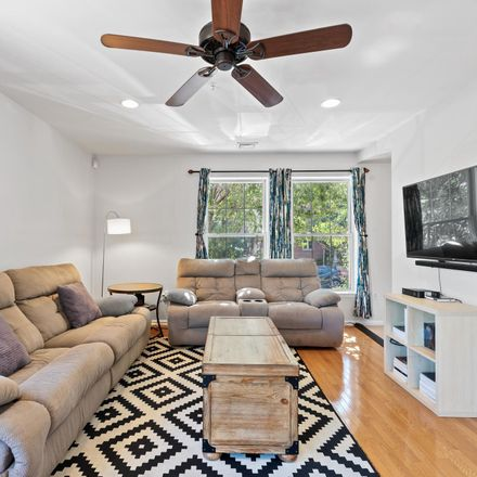 Rent this 2 bed apartment on 401 North Front Street in Philadelphia, PA 19123