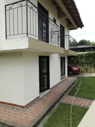 Rent this 5 bed apartment on La Cejita in Avenida Guillermo León Valencia, 630002001 Comuna El Cafetero