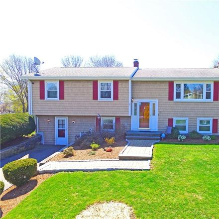 Rent this 3 bed house on 73 Potomac Road in Portsmouth, RI 02871