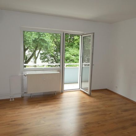 Rent this 3 bed apartment on Dinnendahlstraße 22 in 44577 Recklinghausen, Germany