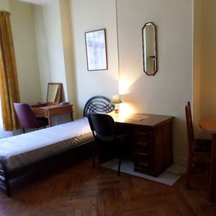 Rent this 6 bed room on Rue Pertinax in 06000 Nice, France