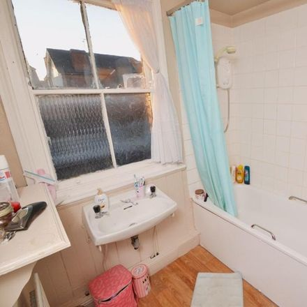 Rent this 2 bed apartment on Henry Road in Nottinghamshire NG2 7NE, United Kingdom
