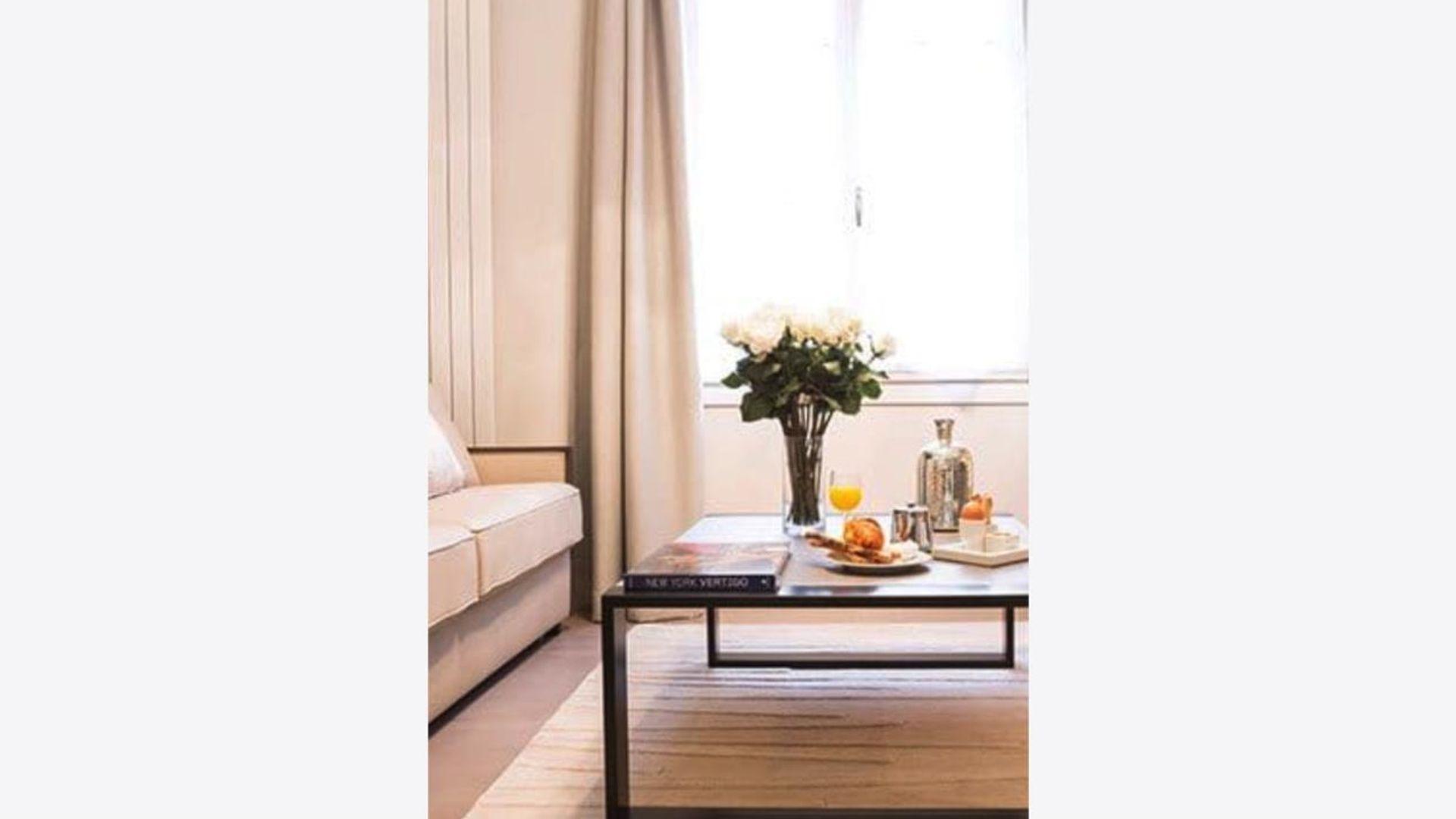 1 bed apartment at 41 rue du roi de Sicile Paris 75001 ...