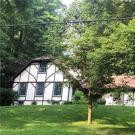 Rent this 3 bed house on Riggle Hill Rd NE in Dover, OH