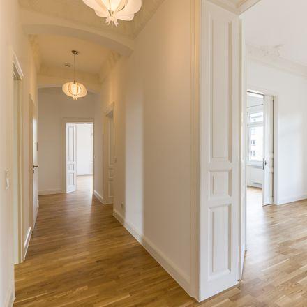 Rent this 5 bed apartment on Berliner Straße in Vereinsheim SV Wiesbaden, 65189 Wiesbaden