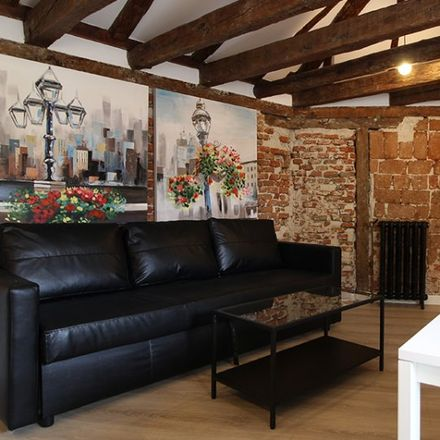 Rent this 2 bed apartment on Calle de Eguilaz in 4, 28001 Madrid