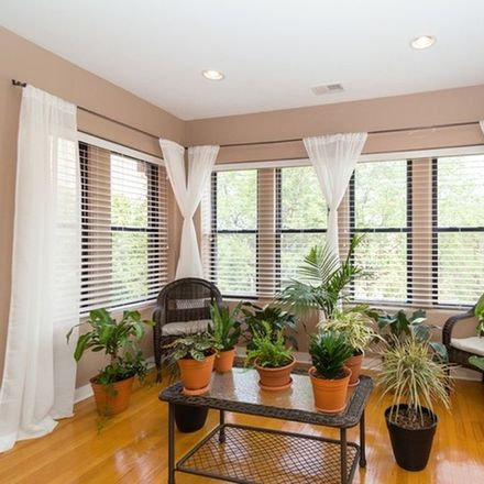 Rent this 3 bed townhouse on 6748-6750 South Oglesby Avenue in Chicago, IL 60649