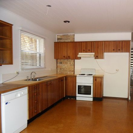 Rent this 3 bed house on 104 Bank Street