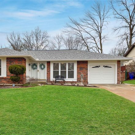 Rent this 3 bed house on 325 Bellezza Dr in Ballwin, MO