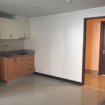 Rent this 1 bed condo on Araneta City in General Romulo Avenue, Quezon City