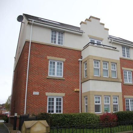 Rent this 2 bed apartment on Trevorrow Crescent in Chesterfield S40 2GD, United Kingdom