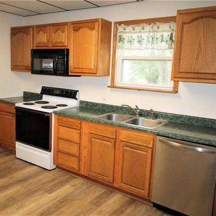 Rent this 3 bed house on 761 Munroe Falls Avenue in Cuyahoga Falls, OH 44221