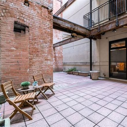 Rent this 1 bed condo on 509 Elm Street in Dallas, TX 75202