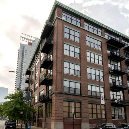 Rent this 1 bed loft on 817 West Washington Boulevard in Chicago, IL 60644