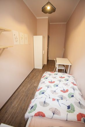 Rent this 2 bed room on Osadní 644/25 in 170 00 Praha 7-Holešovice, Chequia