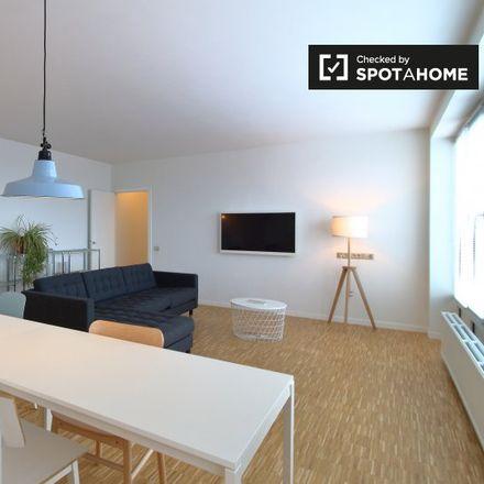 Rent this 2 bed apartment on Chaussée de Louvain - Leuvense Steenweg 6 in 1210 Saint-Josse-ten-Noode - Sint-Joost-ten-Node, Belgium