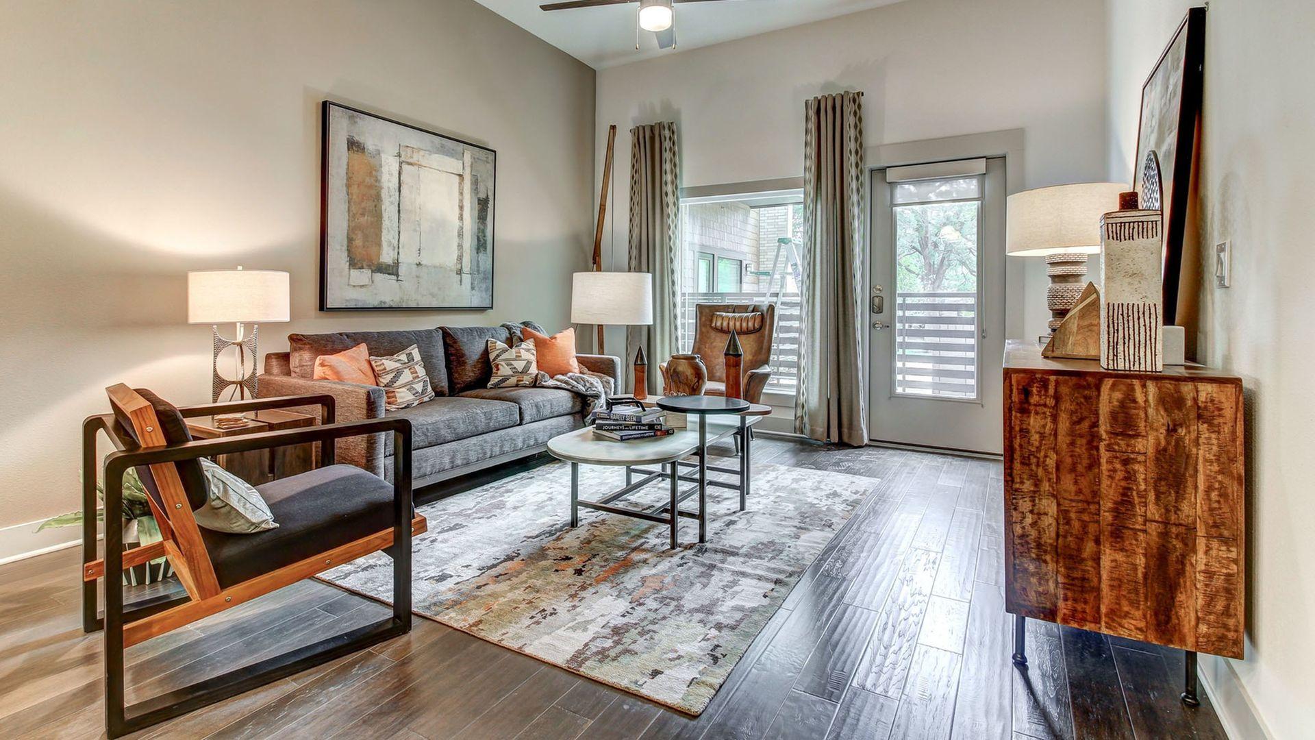 1bed apartment at 5550 longview street dallas tx 75206