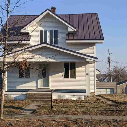 Rent this 3 bed house on 212 21st Avenue Southwest in Cedar Rapids, IA 52404