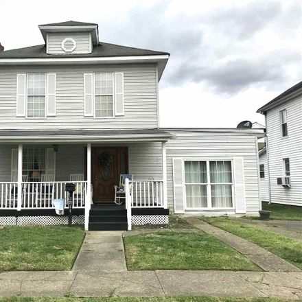 Rent this 3 bed house on 1611 Pine Street in Kenova, WV 25530