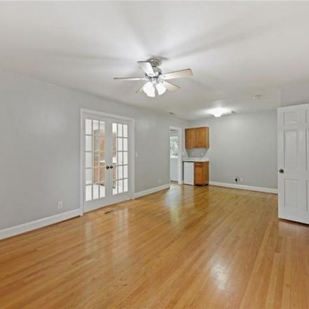 Rent this 4 bed house on 381 Banbury Road Northwest in Winston-Salem, NC 27104
