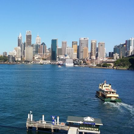 Rent this 3 bed apartment on U/1 Kirribilli Ave